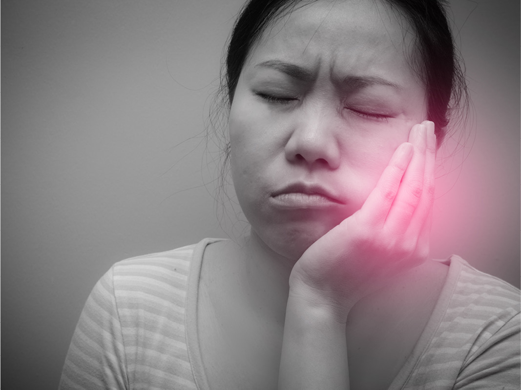 Sore Muscles and Jaw Pain: Symptoms of TMJ?